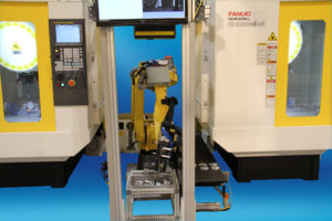 M-20iA_20M Machine Load Bin Pick Area Sensor IMTS 2012_767